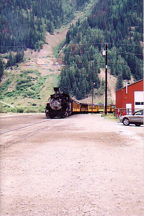 Ouray trip 05 D and S train backing up.jpg
