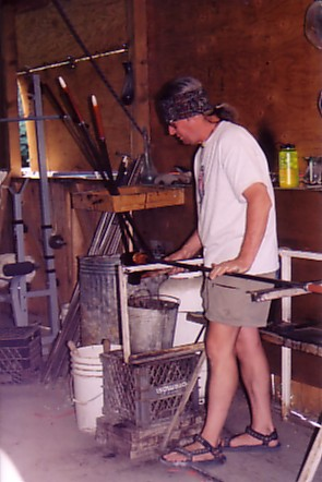 Ouray trip 05 Sam Rushing fashioning glass.jpg